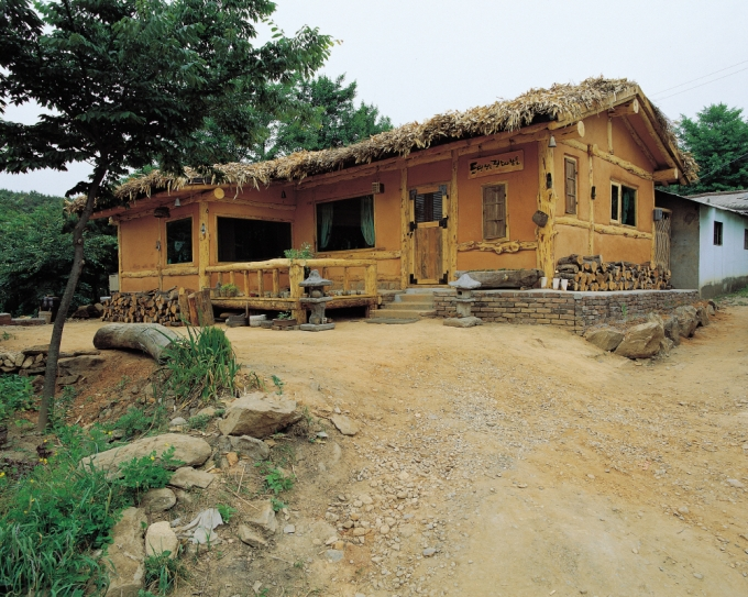 가장 오래된 흙집공법 토담집